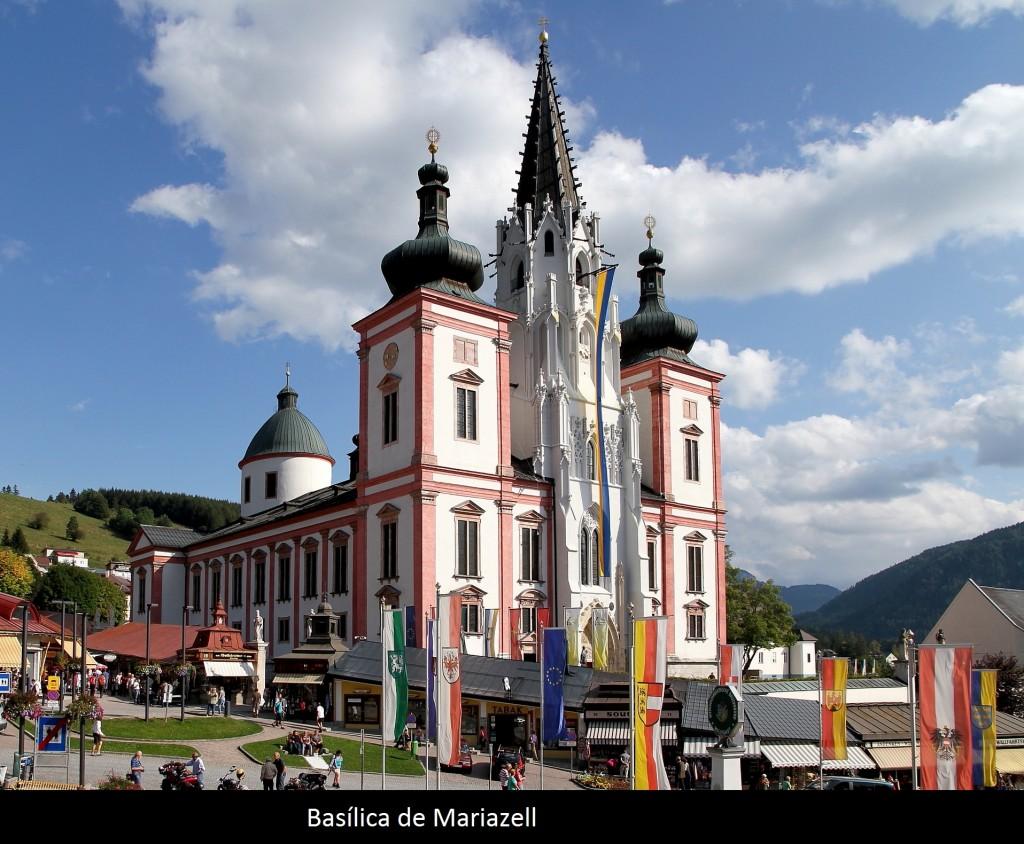 Basílica na cidade santuaria Mariazell