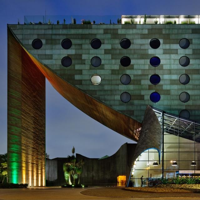hotel-unique-facade-i-01-x2