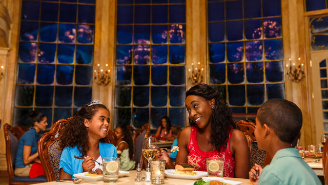 be-our-guest-restaurant-gallery00