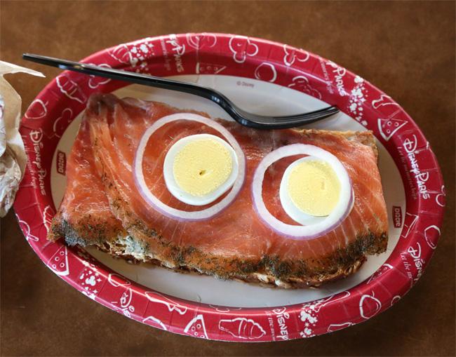 kringla_salmon_egg_sandwich_epcot